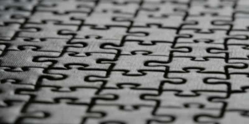 pièces de puzzle imbriquées